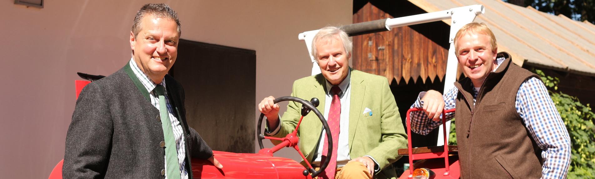 Titelbanner-Traktor-Neumeyer-Vocke